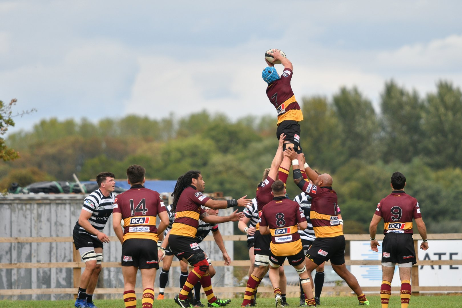 Joe Bercis takes a lineout at Chinnor